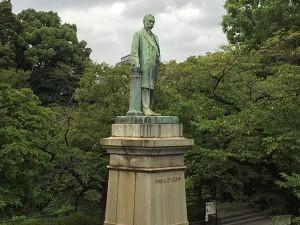 品川弥二郎の銅像