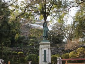 板垣退助の銅像