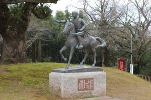 美少年兵士の像
